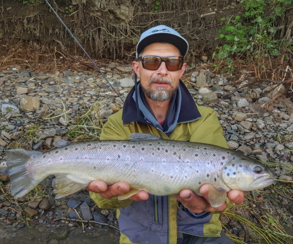 Bialy Dunajec River and nice trout cought on nymph