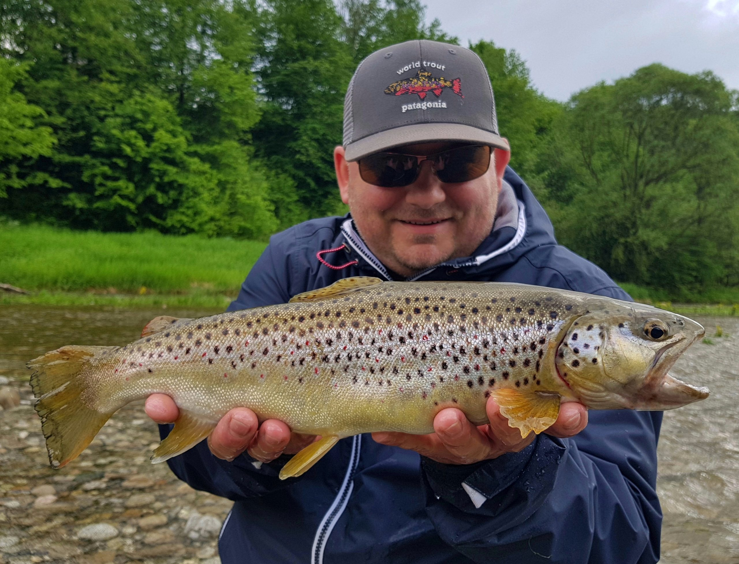 World Trout Patagonia - Dunajec River Poland and Brown Trout in the net