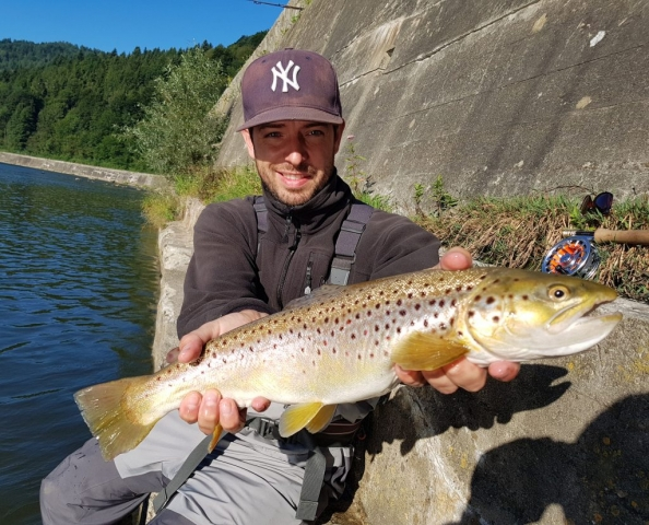 Streamer fishing - sinking streamers for trouts.